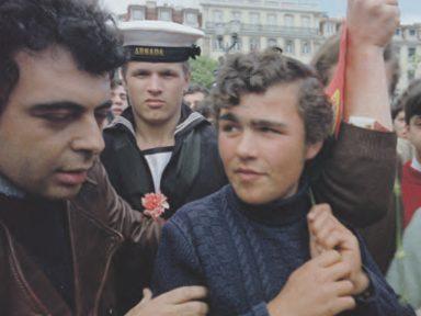"""""""As Armas e o Povo"""" – o encontro de Glauber Rocha com a Revolução de 25 de Abril"""