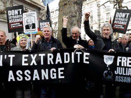 WikiLeaks requer a EUA que retire pedido de extradição de Assange