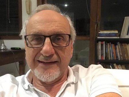 """""""A eficácia e a segurança da CoronaVac são muito boas"""", comemora Eduardo Costa"""