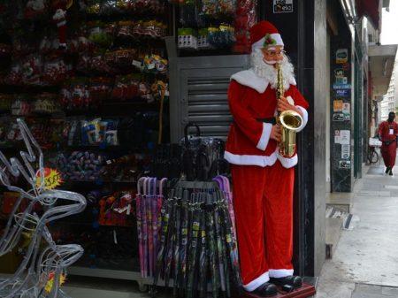 Vendas caem 10,3% na semana do Natal, diz Serasa
