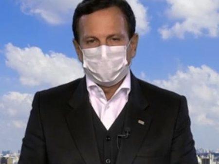"""O Brasil está combatendo o coronavírus e o vírus Bolsonaro"", diz Doria"