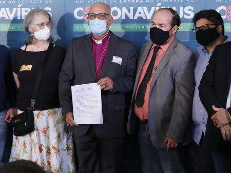 Líderes católicos e evangélicos querem Bolsonaro fora da Presidência