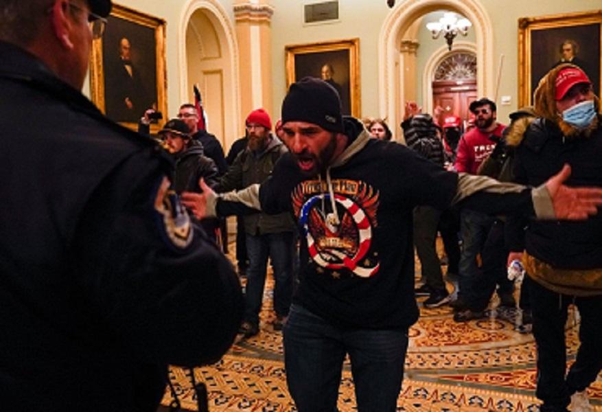 Presidente da Câmara dos EUA exige a destituição imediata de Trump – Hora  do Povo