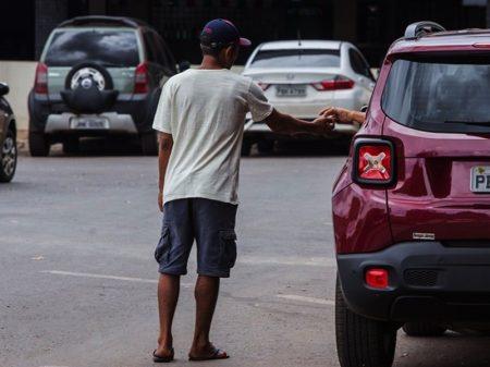 Prorrogação da ajuda emergencial põe Congresso e Planalto em campos opostos