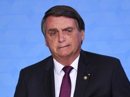 Bolsonaro diz que mantém política de preços