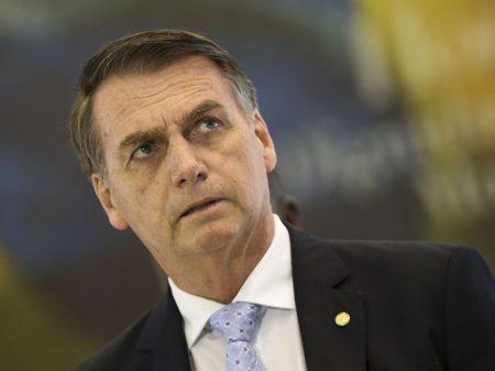 Bolsonaro veta Huawei na rede 5G do governo