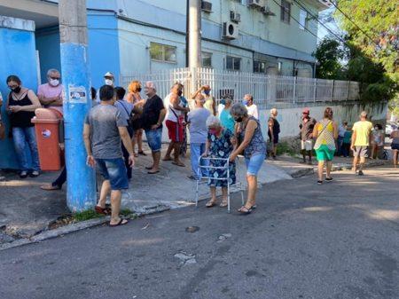 Estados alertam para falta de vacinas e Pazuello repete mesma enrolação de Manaus