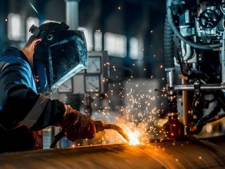 Subsidiar máquinas de fora atinge indústria