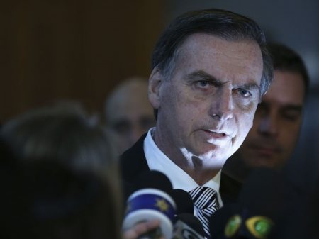 Cartazes escancaram a carestia de Bolsonaro