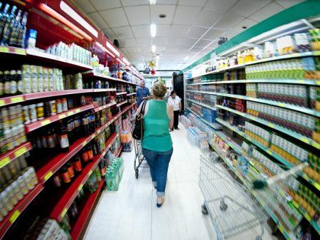 Vendas nos supermercados despencam 18,45%