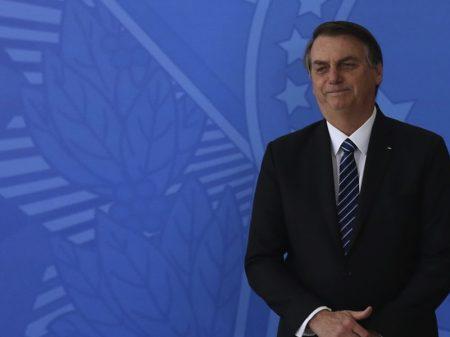 Bolsonaro reduz auxílio para R$ 150