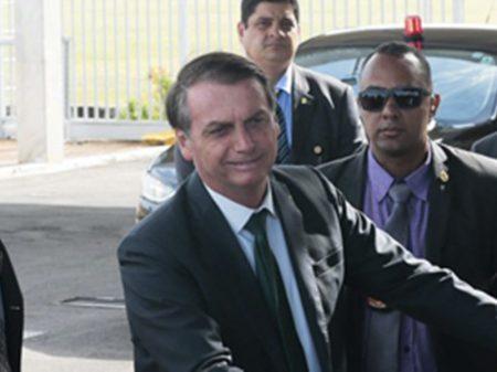 """""""Parece que só se morre de Covid"""", debocha Bolsonaro sobre número de mortos"""