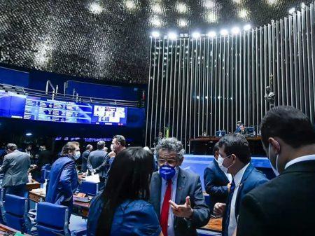 Senadores e movimentos sociais aumentam cobrança por CPI da Pandemia