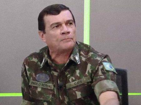 "General diz que Exército ""seguiu normas da OMS"", o que fez mortalidade na Força ser vinte vezes menor que no país"