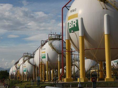 Bolsonaro aumenta gás natural em 39%