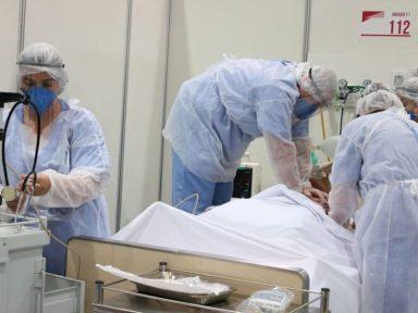Parlamentares pressionam por votação de PL que garante piso salarial para enfermeiros