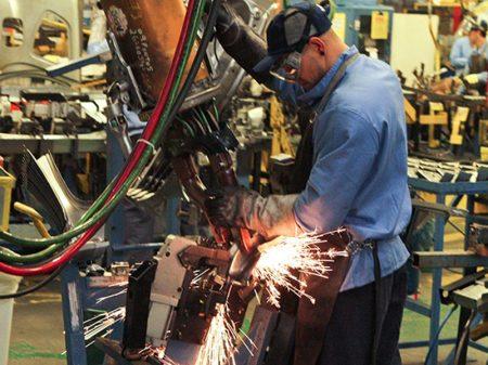 Produção industrial cai em 10 de 15 regiões
