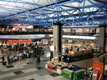 Governo anuncia leilão de entrega de 22 aeroportos