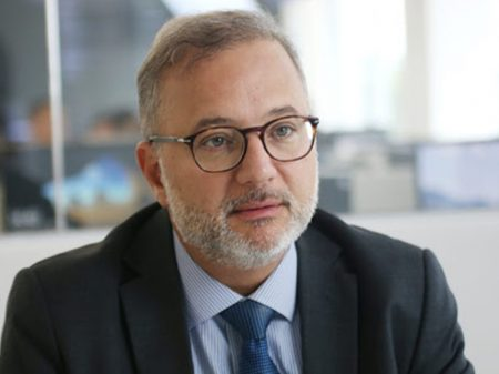 """""""Anvisa não respeita a lei"""", diz Secretário da Saúde da Bahia, sobre obstáculos à  Sputnik V"""