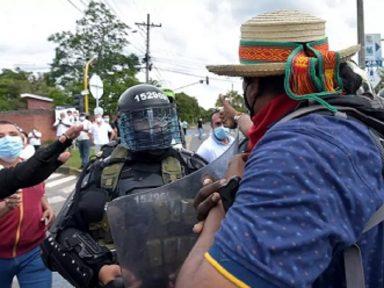 Tiros contra manifestantes na cidade colombiana de Cali deixam 8 indígenas feridos