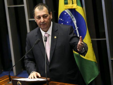 """""""Bolsonaro tripudiou da vacina e Pazuello mentiu várias vezes"""", afirmou Aziz"""