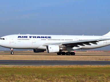 """Queda de avião na rota Rio-Paris leva Air France e Airbus a julgamento por """"homicício culposo"""""""