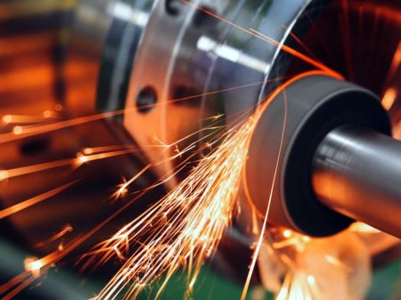 Produção industrial segue no vermelho em abril