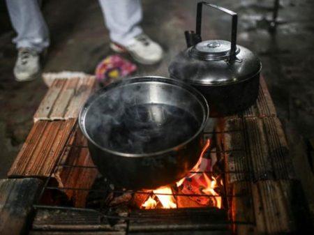 Brasileiros não conseguem pagar luz e gás