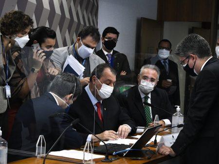 """Temos um Jim Jones na Presidência"", diz relator da CPI da Covid"