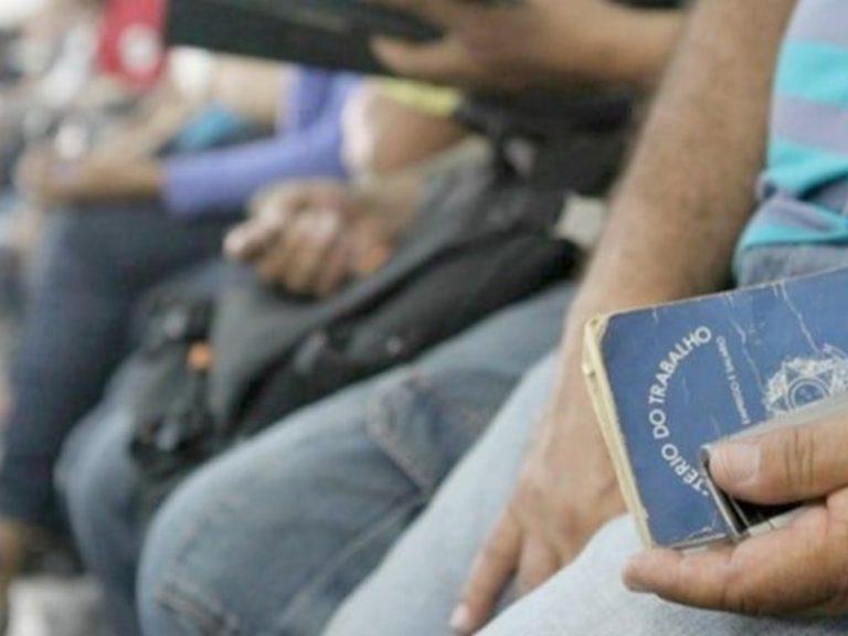 Com desemprego recorde e carestia, Brasil ocupa 2º lugar no ranking de mal-estar