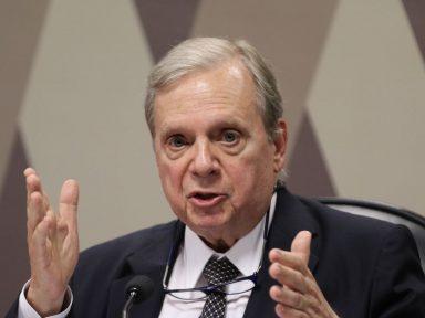 """""""Há possibilidade concreta de uma aliança de centro"""", alternativa a Lula e Bolsonaro, diz Tasso"""