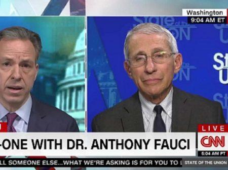 Dr. Fauci rechaça manipulação por negacionistas de e-mails da luta contra pandemia