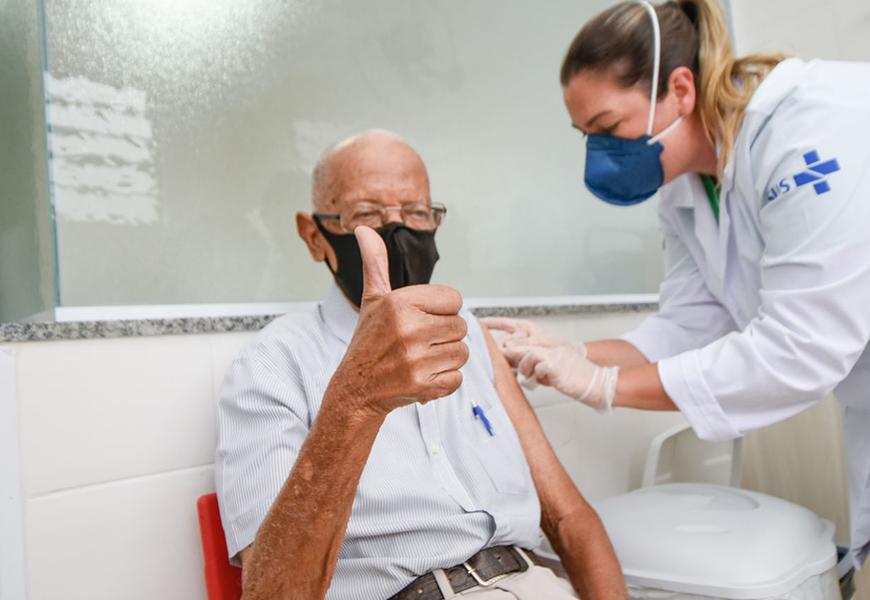 Vacina idosos Brasil UFPel