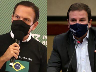 Ministério da Saúde estoca vacinas enquanto brasileiros estão morrendo, denunciam Doria e Paes