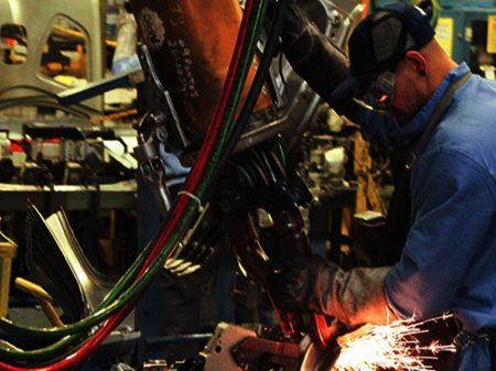 Insumos insuficientes e caros afetam indústria