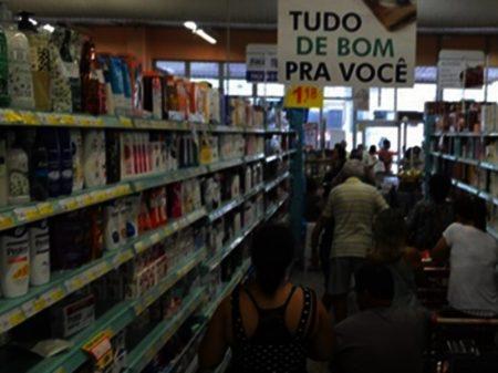 Queda na renda reduz venda nos supermercados