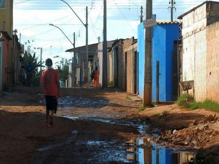 Bolsonaro faz pobreza disparar no Nordeste e Sudeste