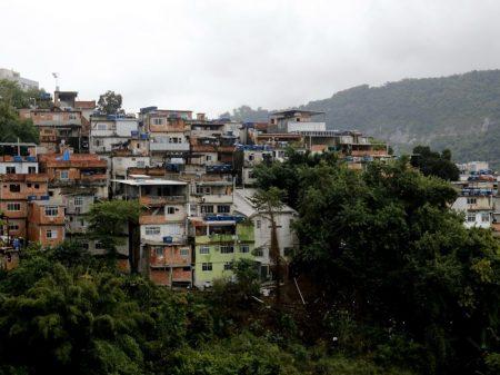 54% dos moradores de favelas no Rio perderam emprego na pandemia, diz pesquisa