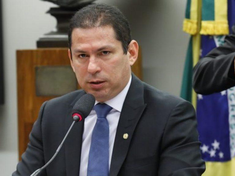 Elevar IOF é uma maldade com o povo brasileiro, afirma vice-presidente da Câmara