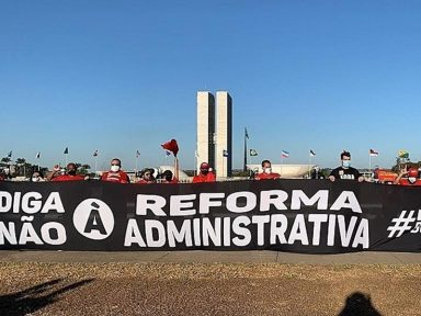 Servidores pressionam deputados contra PEC da destruição dos serviços públicos