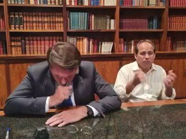 Bolsonaro critica vacinação de jovens enquanto estoca 17 milhões de vacinas na prateleira