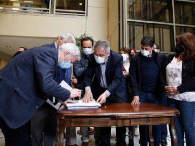 Deputados chilenos iniciam processo de Piñera após corrupção exposta nos Pandora Papers