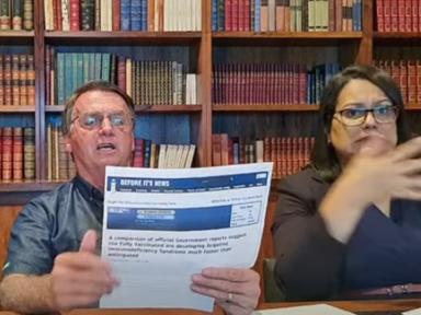 Mentiras de Bolsonaro associando vacinas à Aids foram removidas da internet
