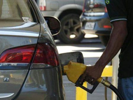 Planalto ameaça o país com falta de combustíveis